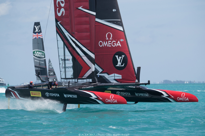 New Zealand capsize throws Britain America's Cup life-line