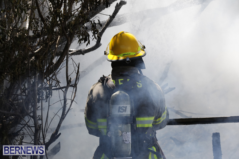Structural fire at 11 Turk's Head Lane Bermuda July 14 2017 (8)