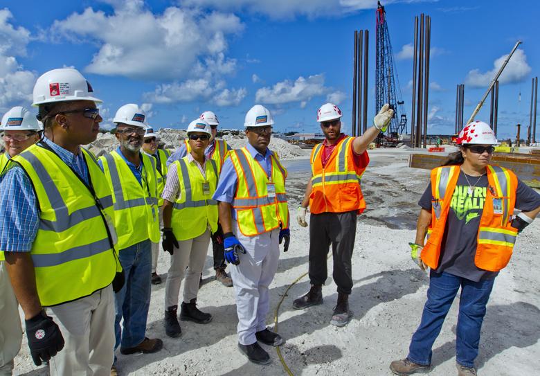 Minister Airport Visit Bermuda August 25 2017 (5)