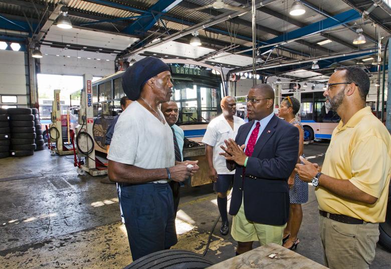 Minister Marine Ports HQ visit Bermuda Aug 2017 (3)