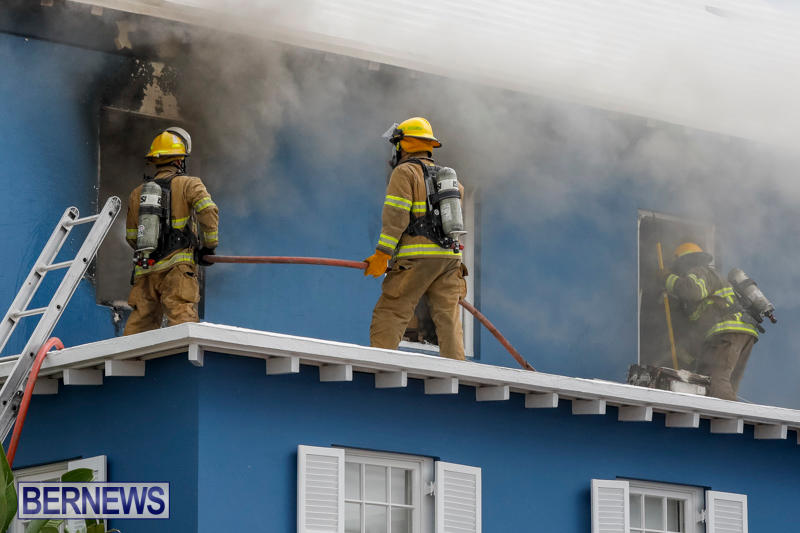 Robertson's-Drug-Store-Fire-Bermuda-September-2-2017_7642