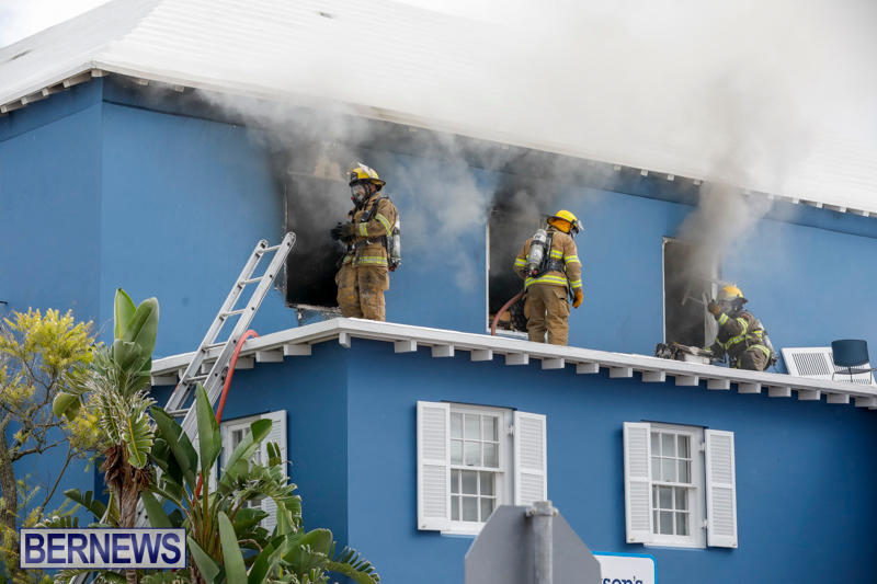 Robertson's-Drug-Store-Fire-Bermuda-September-2-2017_7645