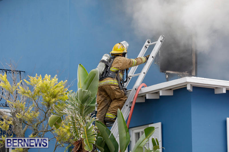 Robertson's-Drug-Store-Fire-Bermuda-September-2-2017_7660