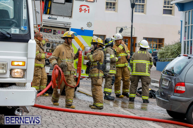 Robertson's-Drug-Store-Fire-Bermuda-September-2-2017_7666