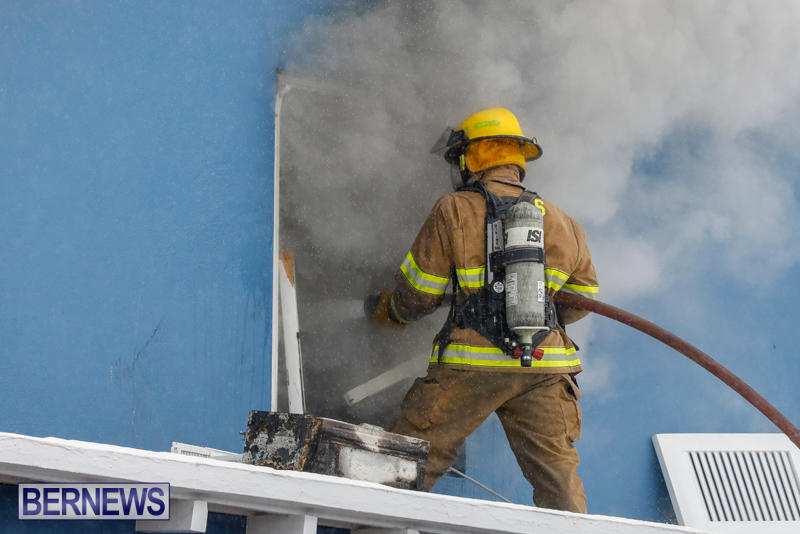 Robertson's-Drug-Store-Fire-Bermuda-September-2-2017_7728