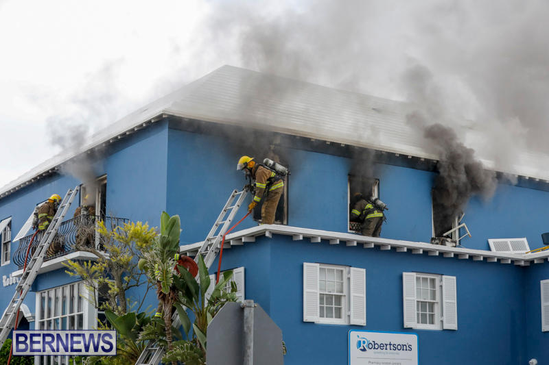 Robertson's-Drug-Store-Fire-Bermuda-September-2-2017_7752