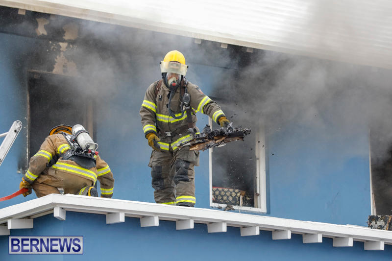 Robertson's-Drug-Store-Fire-Bermuda-September-2-2017_7760