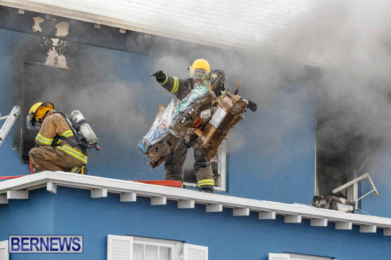 Robertson's-Drug-Store-Fire-Bermuda-September-2-2017_7773