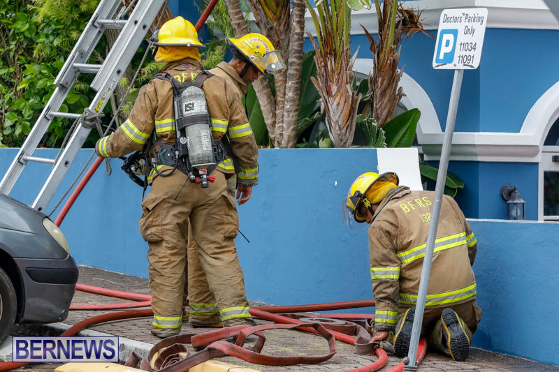 Robertson's-Drug-Store-Fire-Bermuda-September-2-2017_7822