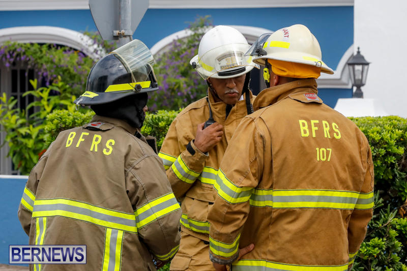 Robertson's-Drug-Store-Fire-Bermuda-September-2-2017_7885