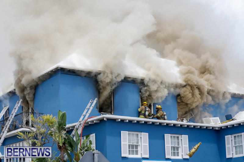 Robertson's-Drug-Store-Fire-Bermuda-September-2-2017_7948