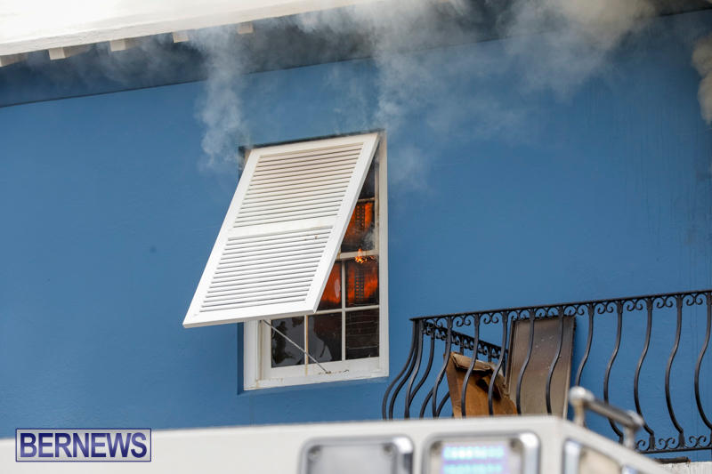 Robertson's-Drug-Store-Fire-Bermuda-September-2-2017_7956