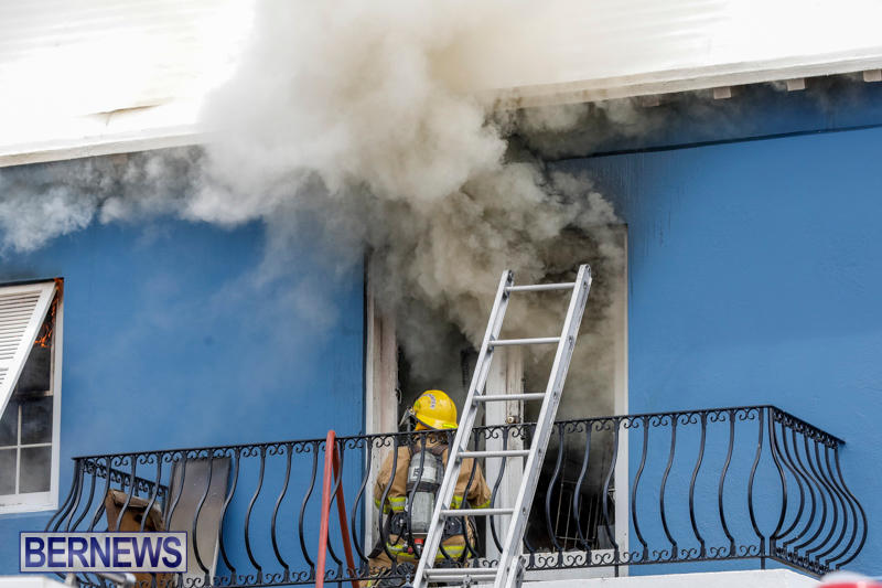 Robertson's-Drug-Store-Fire-Bermuda-September-2-2017_7964