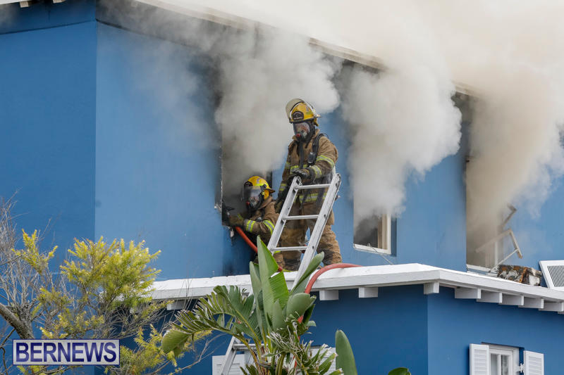 Robertson's-Drug-Store-Fire-Bermuda-September-2-2017_7993