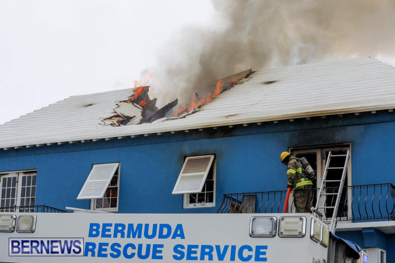 Robertson's-Drug-Store-Fire-Bermuda-September-2-2017_8058