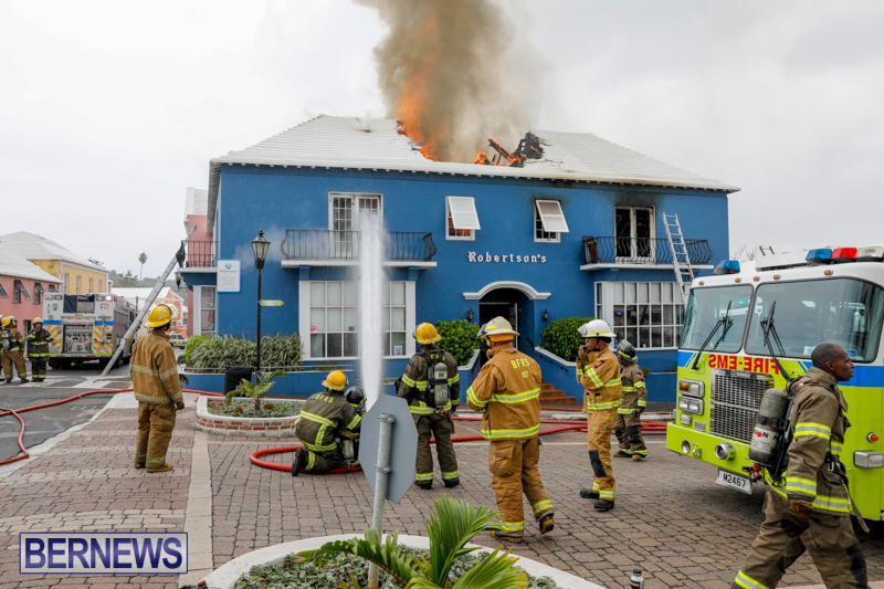 Robertson's-Drug-Store-Fire-Bermuda-September-2-2017_8104