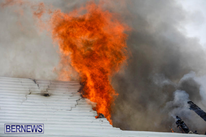 Robertson's-Drug-Store-Fire-Bermuda-September-2-2017_8115