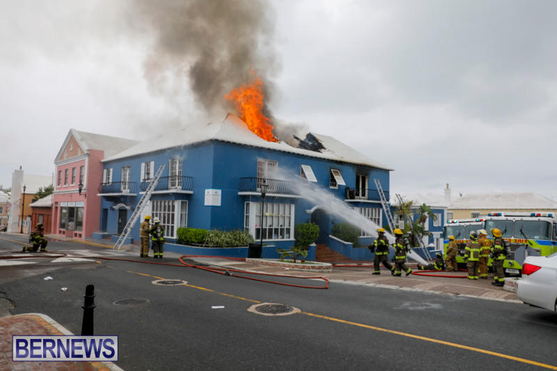Robertson's-Drug-Store-Fire-Bermuda-September-2-2017_8153