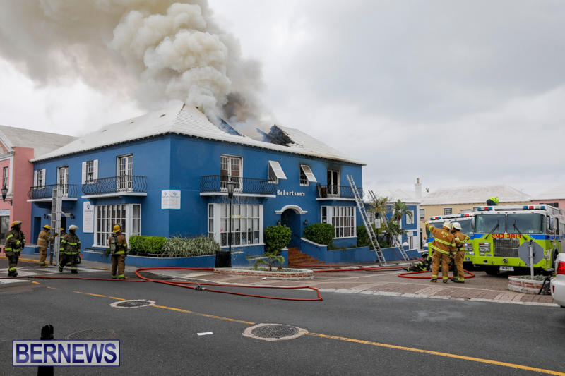 Robertson's-Drug-Store-Fire-Bermuda-September-2-2017_8204
