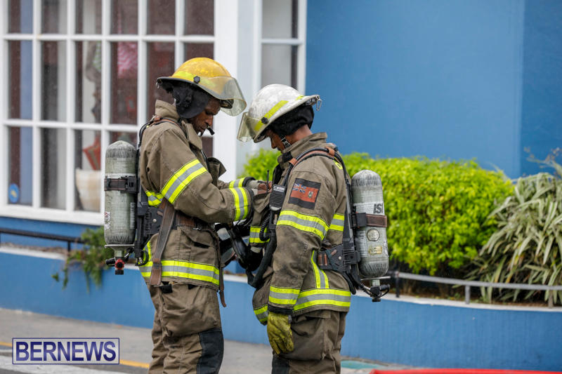 Robertson's-Drug-Store-Fire-Bermuda-September-2-2017_8209
