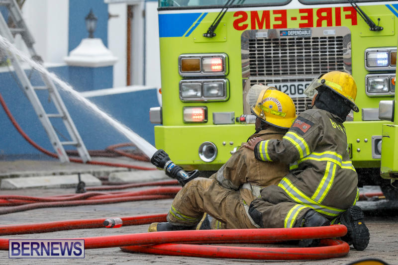 Robertson's-Drug-Store-Fire-Bermuda-September-2-2017_8233