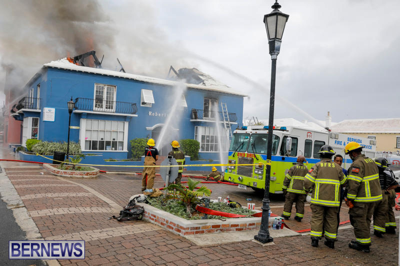 Robertson's-Drug-Store-Fire-Bermuda-September-2-2017_8284