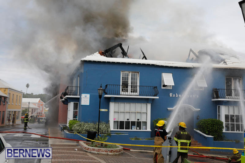 Robertson's-Drug-Store-Fire-Bermuda-September-2-2017_8287