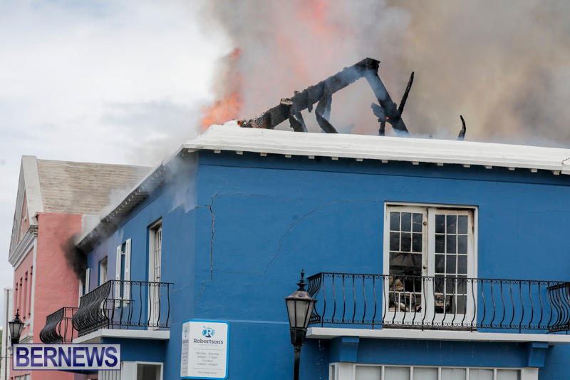 Robertson's-Drug-Store-Fire-Bermuda-September-2-2017_8296
