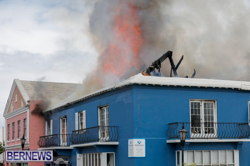 Robertson's-Drug-Store-Fire-Bermuda-September-2-2017_8297