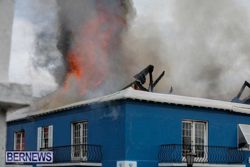 Robertson's-Drug-Store-Fire-Bermuda-September-2-2017_8302