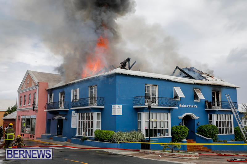 Robertson's-Drug-Store-Fire-Bermuda-September-2-2017_8307