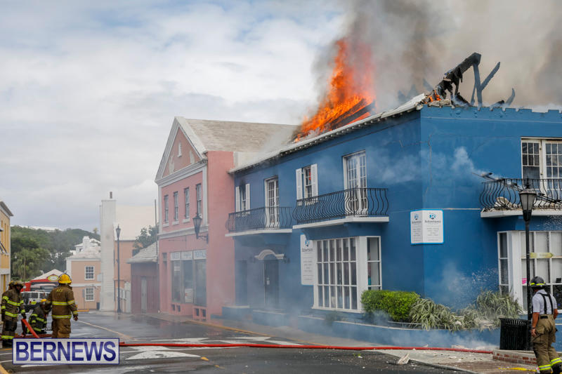 Robertson's-Drug-Store-Fire-Bermuda-September-2-2017_8332