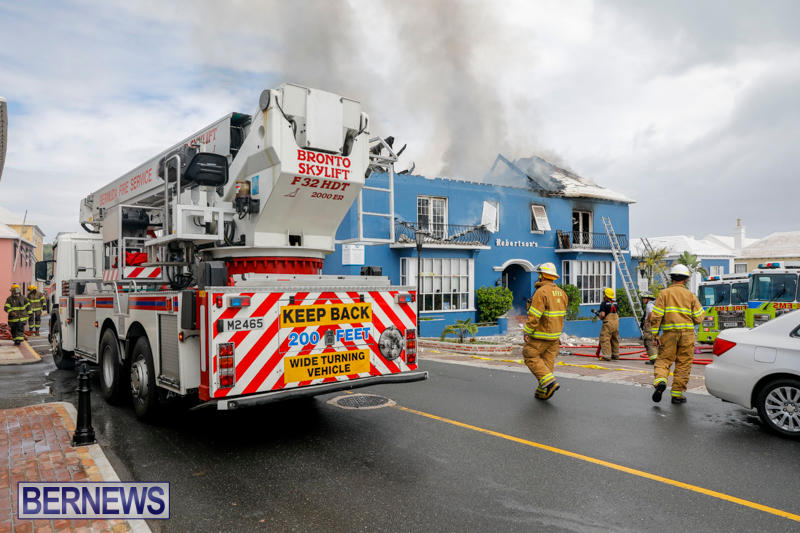 Robertson's-Drug-Store-Fire-Bermuda-September-2-2017_8339