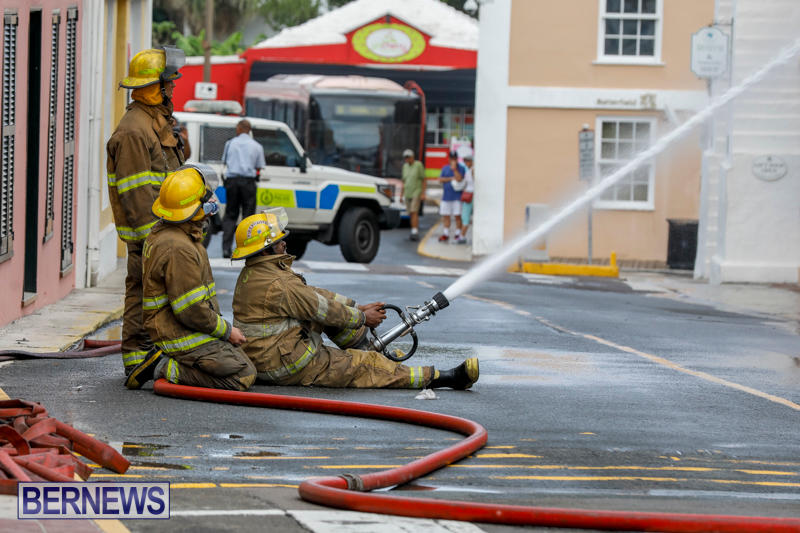 Robertson's-Drug-Store-Fire-Bermuda-September-2-2017_8400