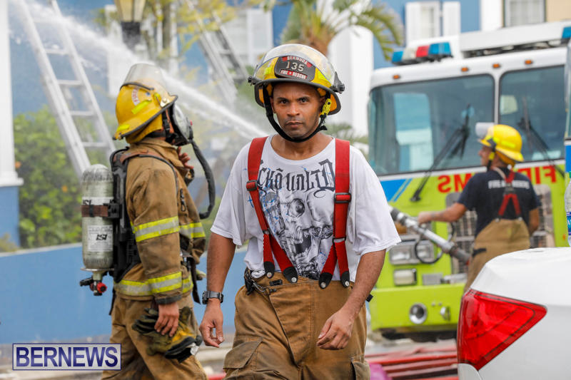 Robertson's-Drug-Store-Fire-Bermuda-September-2-2017_8419