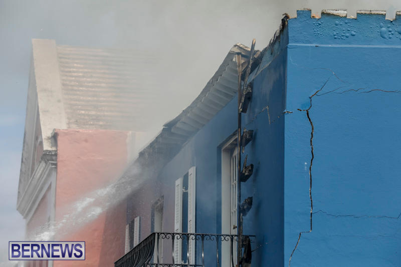 Robertson's-Drug-Store-Fire-Bermuda-September-2-2017_8494