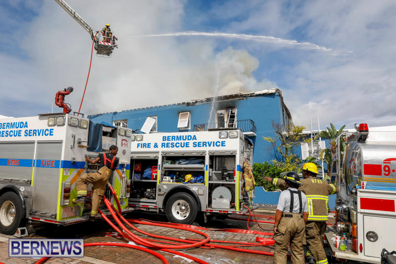 Robertson's-Drug-Store-Fire-Bermuda-September-2-2017_8523