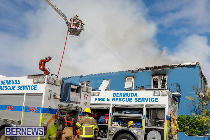 Robertson's-Drug-Store-Fire-Bermuda-September-2-2017_8531