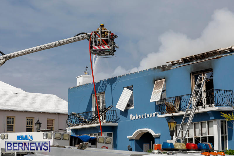 Robertson's-Drug-Store-Fire-Bermuda-September-2-2017_8583