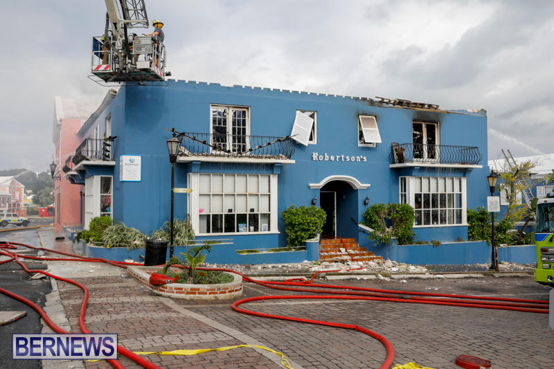 Robertson's-Drug-Store-Fire-Bermuda-September-2-2017_8683