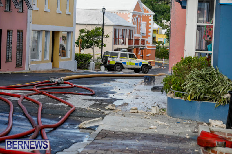 Robertson's-Drug-Store-Fire-Bermuda-September-2-2017_8765