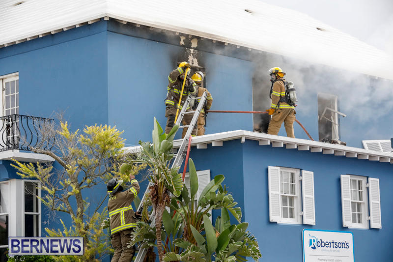 Robertson's-Drug-Store-Fire-Bermuda-September-2-2017_7641