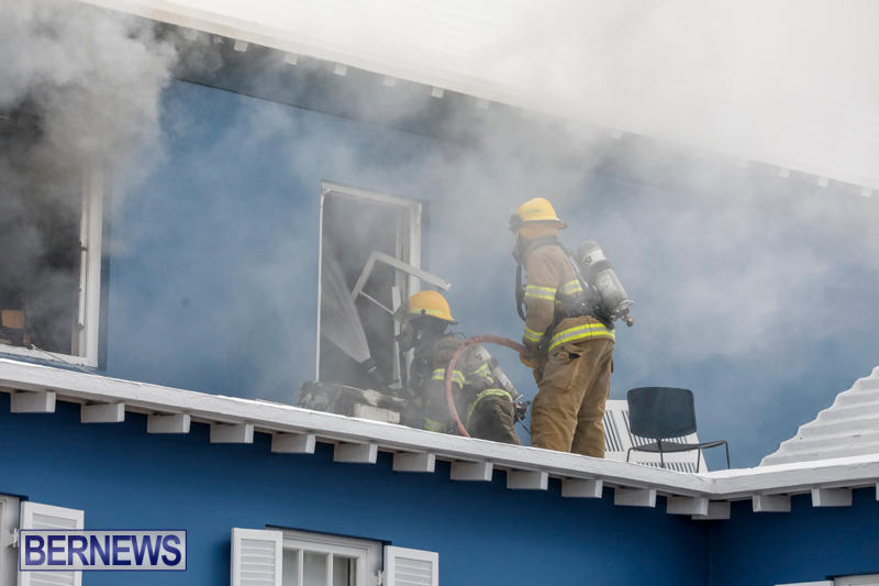 Robertson's-Drug-Store-Fire-Bermuda-September-2-2017_7651