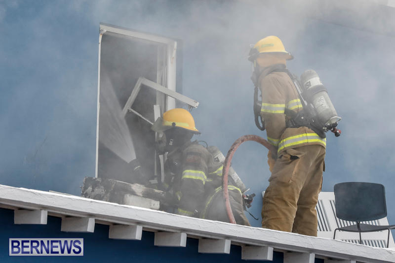 Robertson's-Drug-Store-Fire-Bermuda-September-2-2017_7652