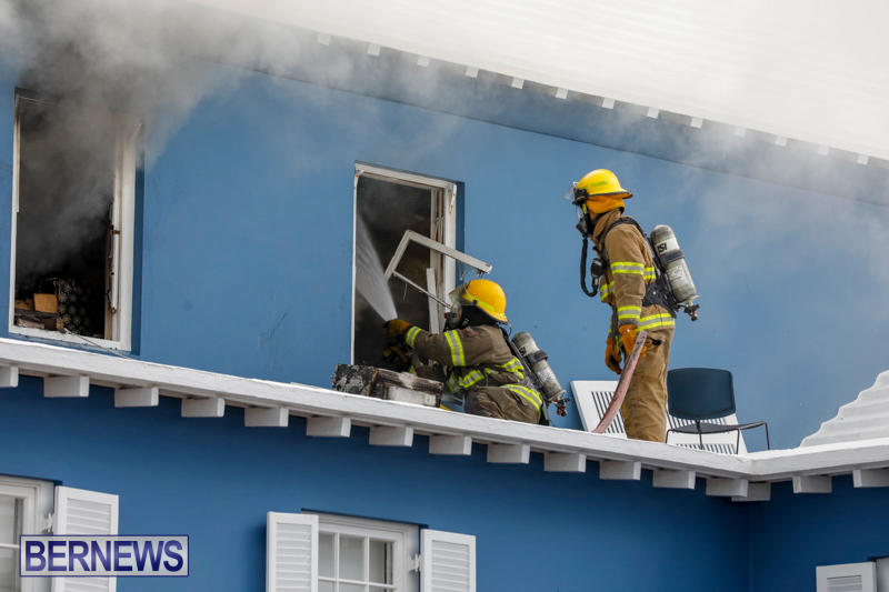 Robertson's-Drug-Store-Fire-Bermuda-September-2-2017_7654