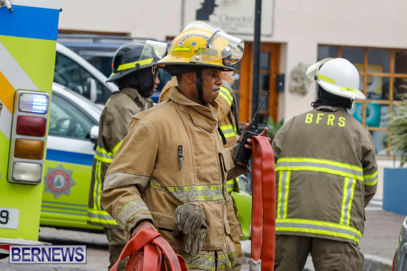Robertson's-Drug-Store-Fire-Bermuda-September-2-2017_7671