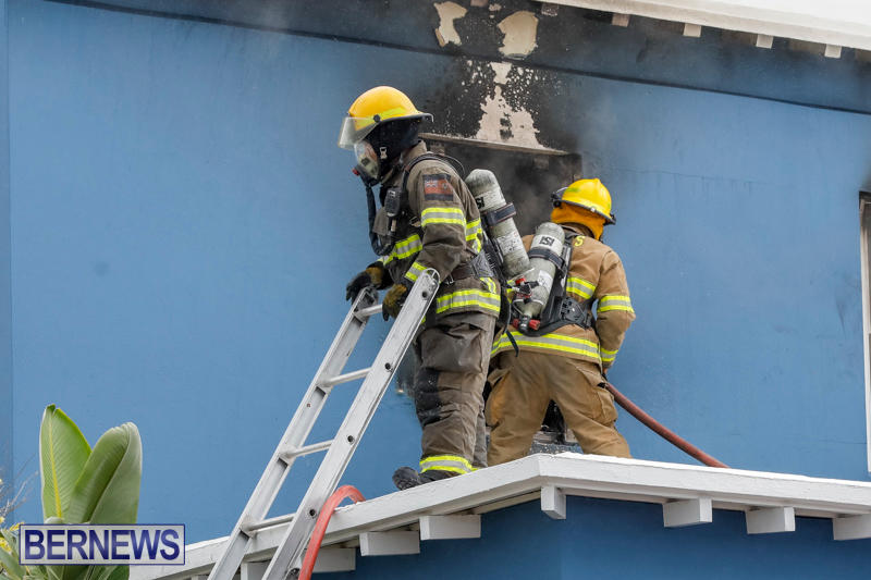 Robertson's-Drug-Store-Fire-Bermuda-September-2-2017_7678