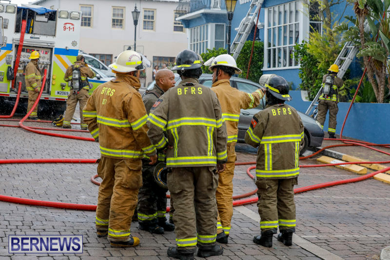 Robertson's-Drug-Store-Fire-Bermuda-September-2-2017_7737