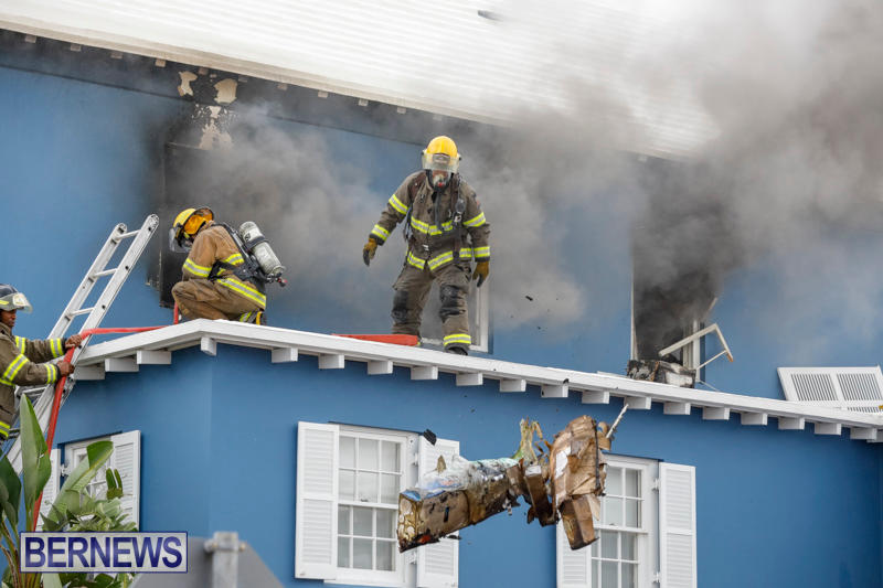 Robertson's-Drug-Store-Fire-Bermuda-September-2-2017_7776