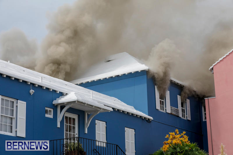 Robertson's-Drug-Store-Fire-Bermuda-September-2-2017_7933